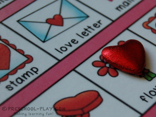 Valentine\'s Day Literacy and Math Activities | Preschool Play